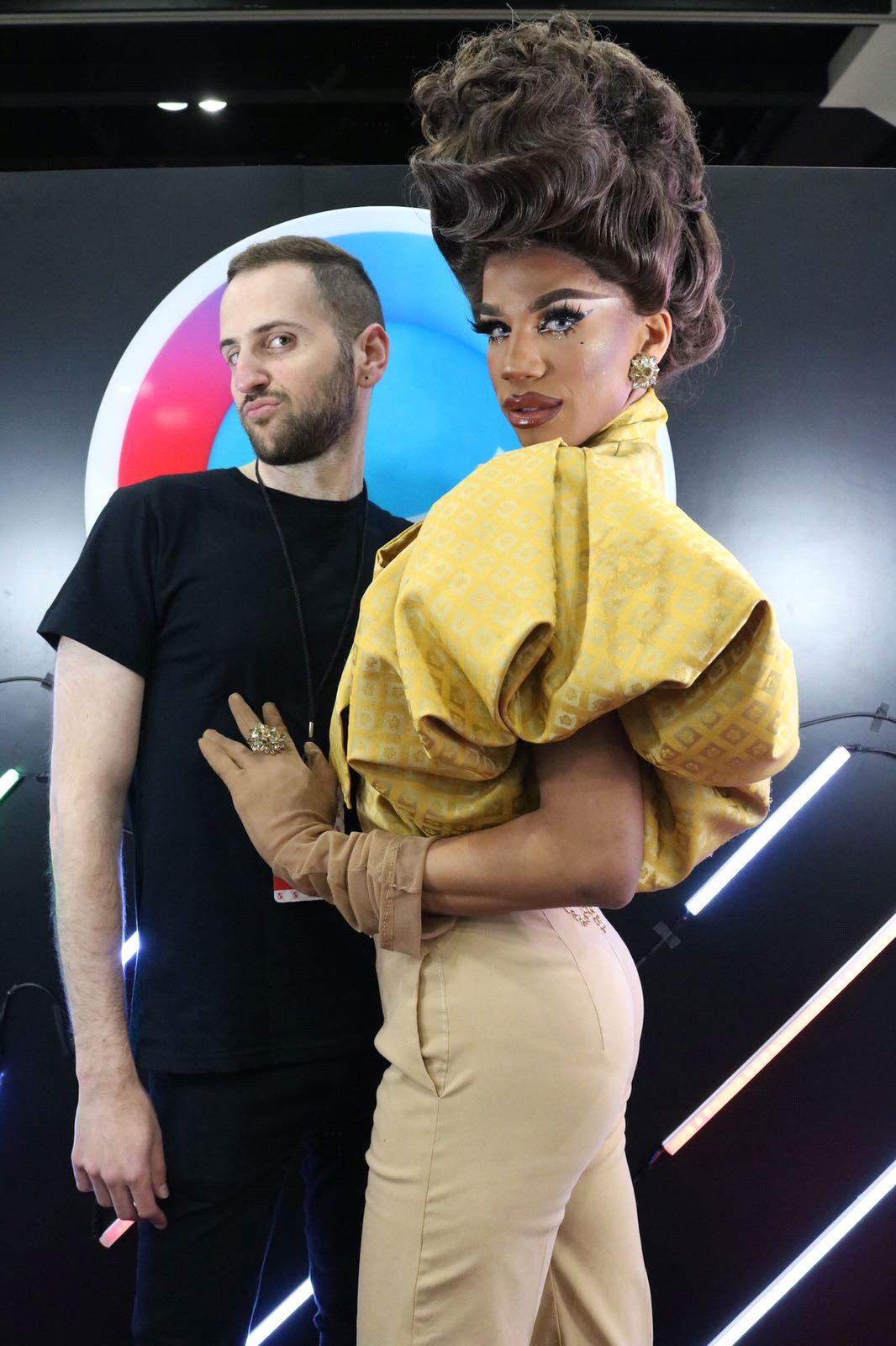 Facetune Product Manager Daniel Berkovitz with Naomi Smalls at RuPaul's DragCon LA 2018 (Courtesy Lightricks)