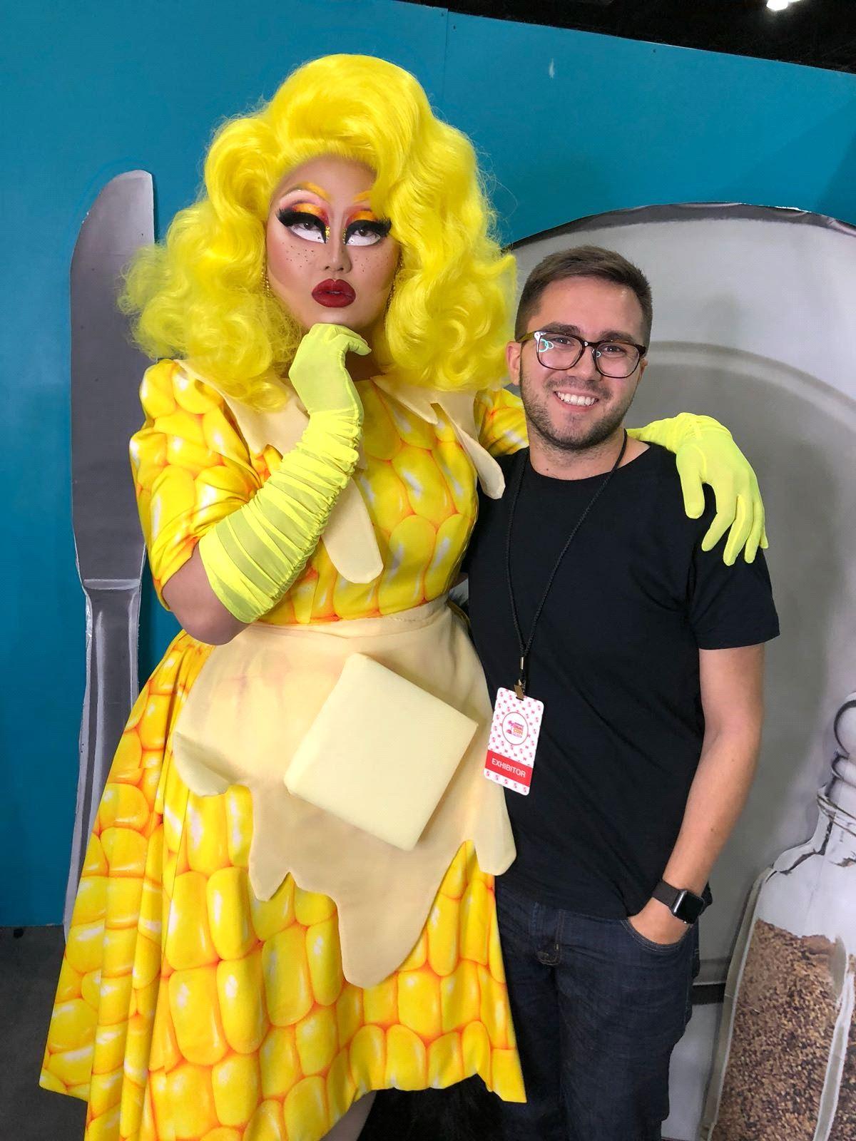 Facetune Designer Judah Guttmann and Kim Chi at RuPaul's DragCon LA 2018 (courtesy Lightricks)