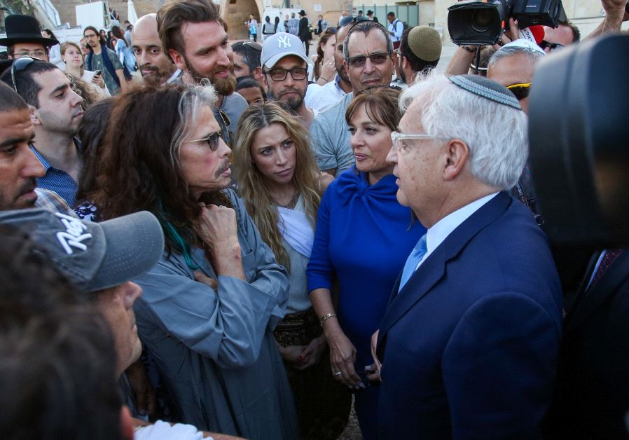 Steven Tyler and David Friedman at the Western Wall, May 15, 2017 (MARC ISRAEL SELLEM/THE JERUSALEM POST)